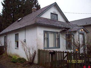 Photo 1: 45542 WELLINGTON AV in Chilliwack: House for sale : MLS®# H1101112