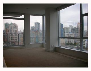 """Photo 3: 1203 1455 HOWE Street in Vancouver: False Creek North Condo for sale in """"POMARIA"""" (Vancouver West)  : MLS®# V671821"""