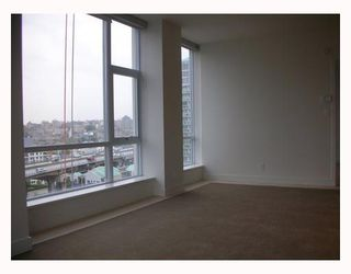 """Photo 4: 1203 1455 HOWE Street in Vancouver: False Creek North Condo for sale in """"POMARIA"""" (Vancouver West)  : MLS®# V671821"""