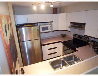 "Photo 7: 106 2401 HAWTHORNE Avenue in Port_Coquitlam: Central Pt Coquitlam Condo for sale in ""STONEBROOK"" (Port Coquitlam)  : MLS®# V710800"