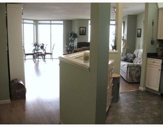 Photo 2: 202-60 Richmond Street, New Westminster in New Westminster: Condo for sale : MLS®# V743649