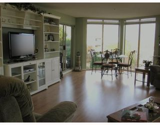 Photo 3: 202-60 Richmond Street, New Westminster in New Westminster: Condo for sale : MLS®# V743649