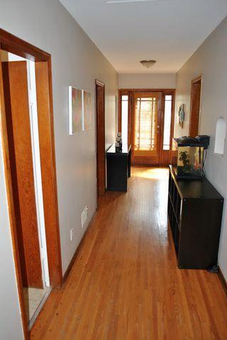 Photo 6: 9148 81 Avenue NW: Edmonton House for sale