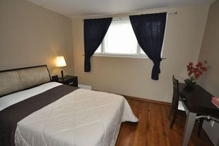 Photo 2: 9148 81 Avenue NW: Edmonton House for sale