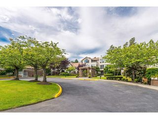 "Photo 2: 105 15991 THRIFT Avenue: White Rock Condo for sale in ""ARCADIAN"" (South Surrey White Rock)  : MLS®# R2441323"
