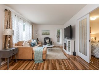 "Photo 4: 105 15991 THRIFT Avenue: White Rock Condo for sale in ""ARCADIAN"" (South Surrey White Rock)  : MLS®# R2441323"
