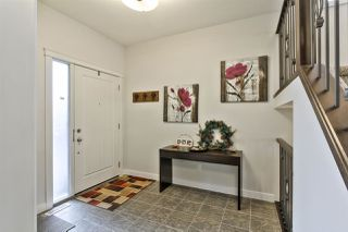 Photo 3: 6134 19A Avenue in Edmonton: Zone 53 House for sale : MLS®# E4199772