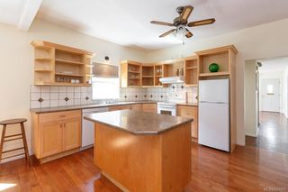 Photo 4: 2277 Bradford Ave in Sidney: Si Sidney North-East House for sale : MLS®# 839401