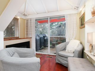 Photo 12: 2516 Belmont Ave in Victoria: Vi Oaklands Single Family Detached for sale : MLS®# 841512