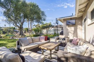 Photo 19: POINT LOMA House for sale : 2 bedrooms : 3420 Wisteria Dr in San Diego