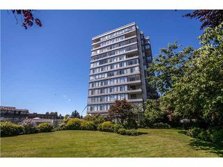 """Photo 4: 1104 1480 DUCHESS Avenue in West Vancouver: Ambleside Condo for sale in """"Westerlies"""" : MLS®# R2519533"""