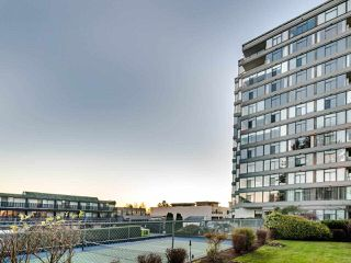 """Photo 40: 1104 1480 DUCHESS Avenue in West Vancouver: Ambleside Condo for sale in """"Westerlies"""" : MLS®# R2519533"""