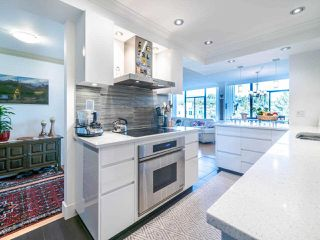 """Photo 5: 1104 1480 DUCHESS Avenue in West Vancouver: Ambleside Condo for sale in """"Westerlies"""" : MLS®# R2519533"""