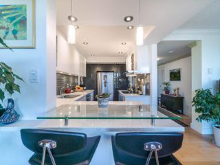 """Photo 10: 1104 1480 DUCHESS Avenue in West Vancouver: Ambleside Condo for sale in """"Westerlies"""" : MLS®# R2519533"""