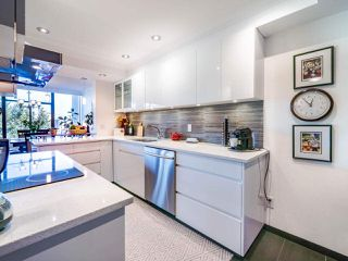 """Photo 19: 1104 1480 DUCHESS Avenue in West Vancouver: Ambleside Condo for sale in """"Westerlies"""" : MLS®# R2519533"""