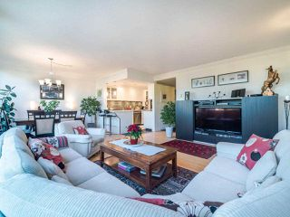 """Photo 16: 1104 1480 DUCHESS Avenue in West Vancouver: Ambleside Condo for sale in """"Westerlies"""" : MLS®# R2519533"""