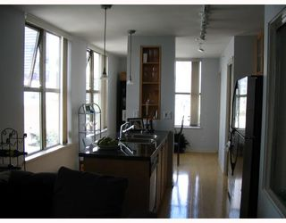 "Photo 3: 1403 969 RICHARDS Street in Vancouver: Downtown VW Condo for sale in ""MONDRAIN 2"" (Vancouver West)  : MLS®# V662199"