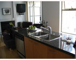 """Photo 4: 1403 969 RICHARDS Street in Vancouver: Downtown VW Condo for sale in """"MONDRAIN 2"""" (Vancouver West)  : MLS®# V662199"""