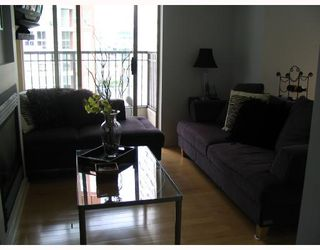 """Photo 1: 1403 969 RICHARDS Street in Vancouver: Downtown VW Condo for sale in """"MONDRAIN 2"""" (Vancouver West)  : MLS®# V662199"""