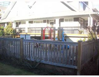 """Photo 9: 13 6878 SOUTHPOINT Drive in Burnaby: South Slope Townhouse for sale in """"CORTINA"""" (Burnaby South)  : MLS®# V691478"""