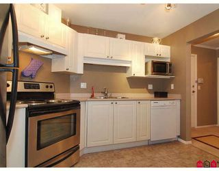 "Photo 3: 412 5765 GLOVER Road in Langley: Langley City Condo for sale in ""COLLEGE COURT"" : MLS®# F2806849"