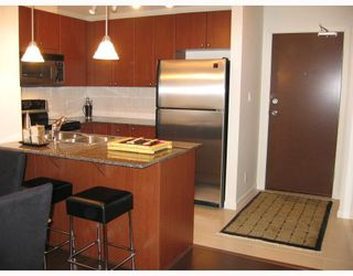 """Photo 5: 808 610 VICTORIA Street in New_Westminster: Downtown NW Condo for sale in """"The Point"""" (New Westminster)  : MLS®# V698116"""