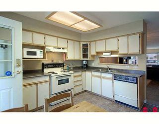 """Photo 5: 104 10308 155A Street in Surrey: Guildford Townhouse for sale in """"PADDINGTON PLACE"""" (North Surrey)  : MLS®# F2811368"""