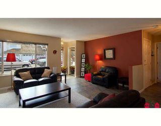"""Photo 3: 104 10308 155A Street in Surrey: Guildford Townhouse for sale in """"PADDINGTON PLACE"""" (North Surrey)  : MLS®# F2811368"""