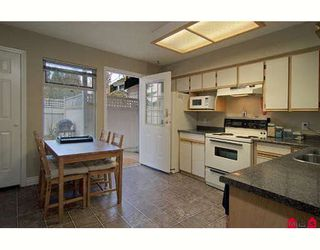 """Photo 6: 104 10308 155A Street in Surrey: Guildford Townhouse for sale in """"PADDINGTON PLACE"""" (North Surrey)  : MLS®# F2811368"""