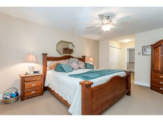 """Photo 15: 9769 148A Street in Surrey: Guildford Townhouse for sale in """"Chelsea Gate"""" (North Surrey)  : MLS®# R2394189"""