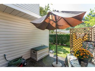 """Photo 20: 9769 148A Street in Surrey: Guildford Townhouse for sale in """"Chelsea Gate"""" (North Surrey)  : MLS®# R2394189"""