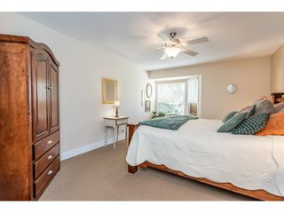 """Photo 16: 9769 148A Street in Surrey: Guildford Townhouse for sale in """"Chelsea Gate"""" (North Surrey)  : MLS®# R2394189"""