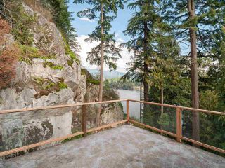 """Photo 13: 4802 STRATHCONA Road in North Vancouver: Deep Cove House for sale in """"The Cove"""" : MLS®# R2411847"""