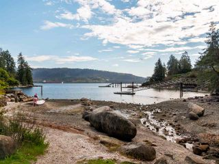 """Photo 17: 4802 STRATHCONA Road in North Vancouver: Deep Cove House for sale in """"The Cove"""" : MLS®# R2411847"""