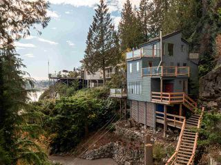"""Photo 16: 4802 STRATHCONA Road in North Vancouver: Deep Cove House for sale in """"The Cove"""" : MLS®# R2411847"""