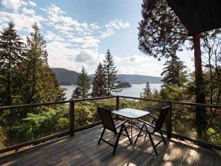 """Photo 6: 4802 STRATHCONA Road in North Vancouver: Deep Cove House for sale in """"The Cove"""" : MLS®# R2411847"""