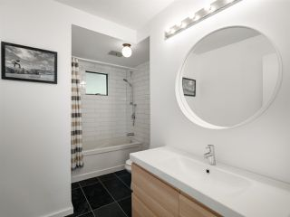 """Photo 11: 4802 STRATHCONA Road in North Vancouver: Deep Cove House for sale in """"The Cove"""" : MLS®# R2411847"""