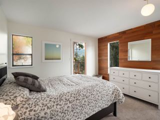 """Photo 12: 4802 STRATHCONA Road in North Vancouver: Deep Cove House for sale in """"The Cove"""" : MLS®# R2411847"""