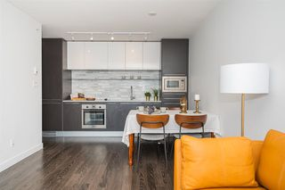 Photo 4: 2601 8131 NUNAVUT Lane in Vancouver: Marpole Condo for sale (Vancouver West)  : MLS®# R2447500
