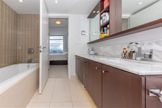 """Photo 7: 2205 1028 BARCLAY Street in Vancouver: West End VW Condo for sale in """"PATINA"""" (Vancouver West)  : MLS®# R2459180"""