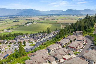 "Photo 5: 30 6026 LINDEMAN Street in Chilliwack: Promontory Townhouse for sale in ""Hillcrest"" (Sardis)  : MLS®# R2468774"