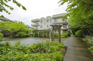 Photo 1: 309 12206 224TH Street in Maple Ridge: East Central Condo for sale : MLS®# R2472167