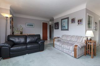 Photo 6: 1064 Willow St in : SE Lake Hill House for sale (Saanich East)  : MLS®# 850288