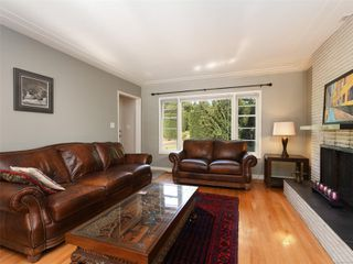 Photo 3: 1155 Royal Oak Dr in : SE Sunnymead House for sale (Saanich East)  : MLS®# 851433