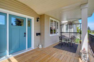 Photo 2: 10624 47 Street in Edmonton: Zone 19 House for sale : MLS®# E4212970