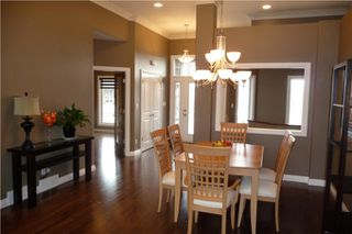 Photo 4: 372 Oak Forest CR in Winnipeg: Westwood / Crestview Residential for sale (West Winnipeg)  : MLS®# 1005142