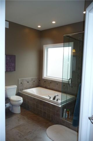 Photo 11: 372 Oak Forest CR in Winnipeg: Westwood / Crestview Residential for sale (West Winnipeg)  : MLS®# 1005142