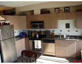 Photo 3: 87 18701 66TH Av in Cloverdale: Townhouse for sale : MLS®# F2620212