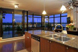 """Photo 9: 1804 610 VICTORIA Street in New Westminster: Downtown NW Condo for sale in """"The Point"""" : MLS®# R2398304"""