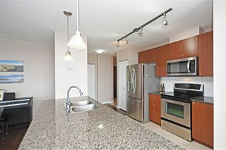 """Photo 6: 1804 610 VICTORIA Street in New Westminster: Downtown NW Condo for sale in """"The Point"""" : MLS®# R2398304"""